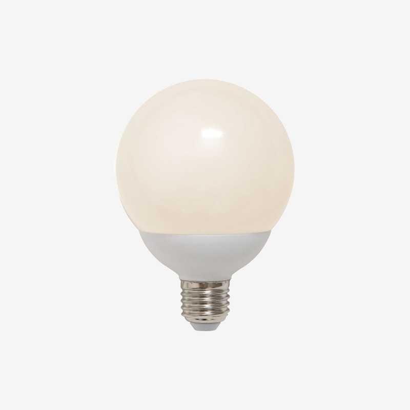 Vue de face de l'ampoule globe E27