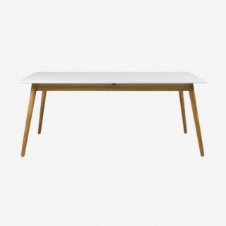 Vue de face de la table extensible 180 cm DOT