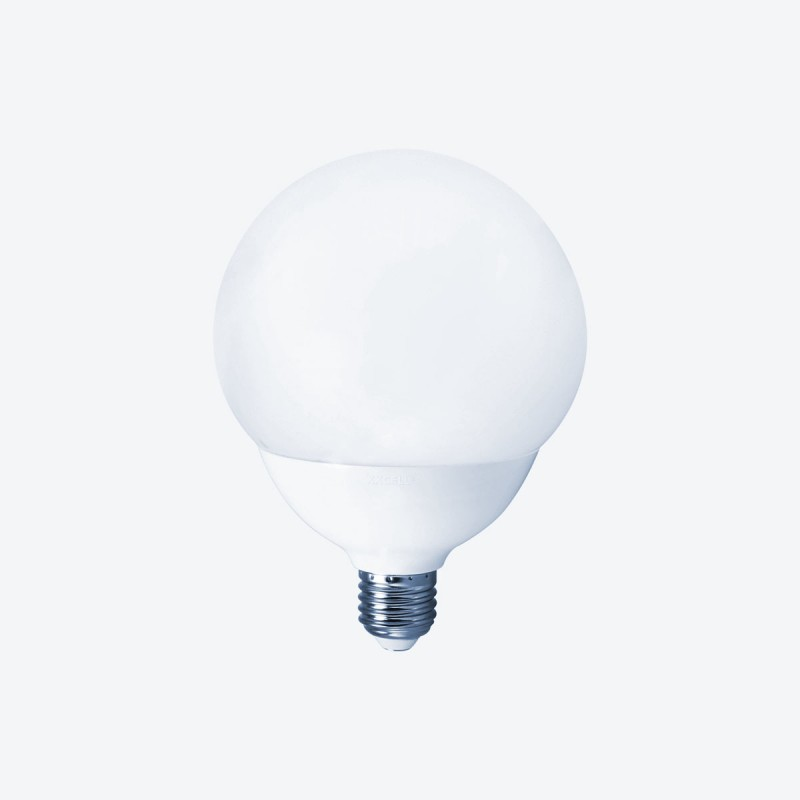 Vue de face de l'ampoule LED globe