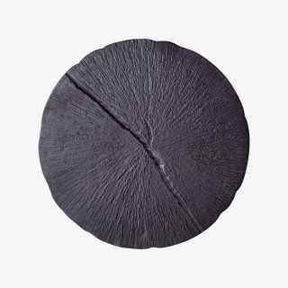 Vue détaillée du plateau noir de la table gigogne RACINE