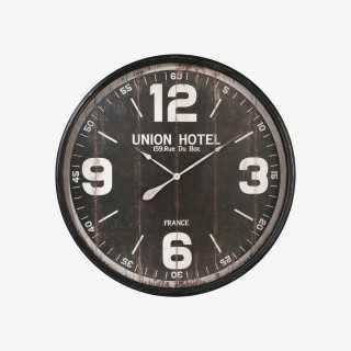 Vue de face de l'horloge HOTEL