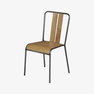 Vue de trois-quarts de la chaise MANHATTAN