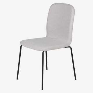 Vue de trois-quarts de la chaise PENSEE