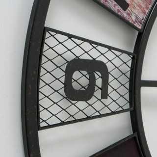 Vue détaillée de l'horloge ODESSA