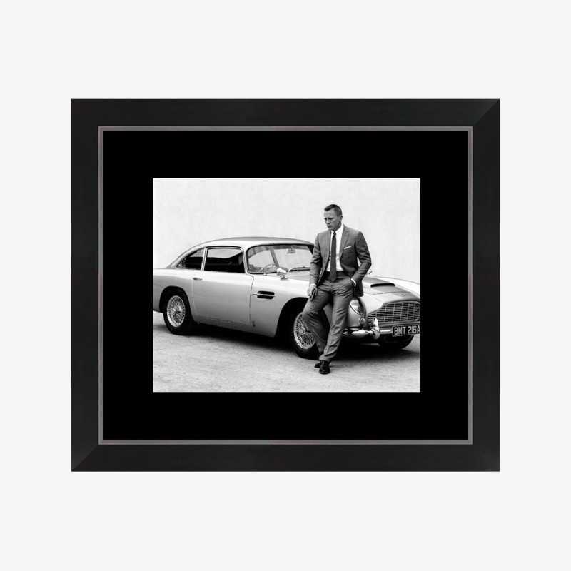 Vue de face de l'affiche James Bond