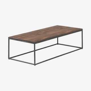 Vue de trois-quarts de la table basse RINALDA